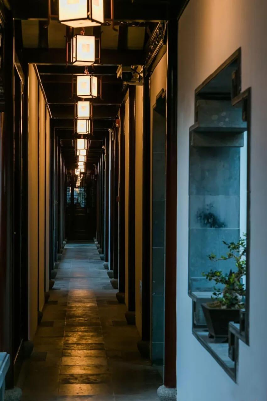 苏州墨客园中式酒店灯具定制照明设计