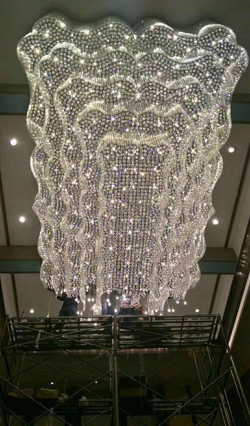 宴会厅工程灯水晶灯施工现场