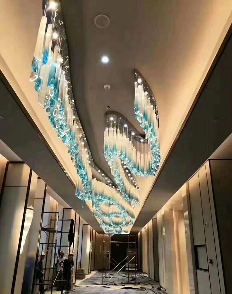 酒店休息区工程灯_走廊水晶吊灯定制