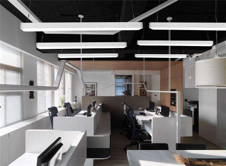 办公室荧光灯